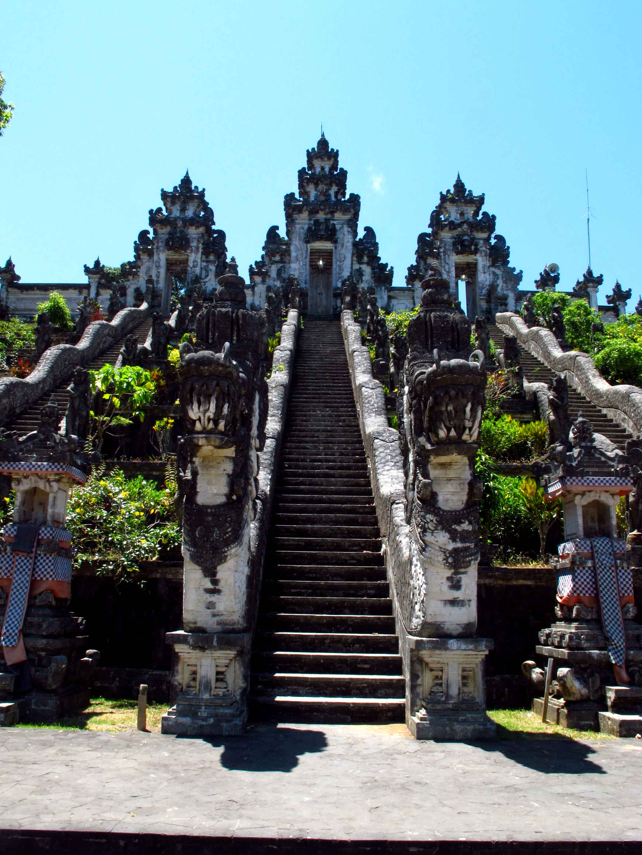 pura-lempuyan-dragon-mount-agung-balidiversity-ecotour